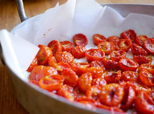 bagte tomater kikærter