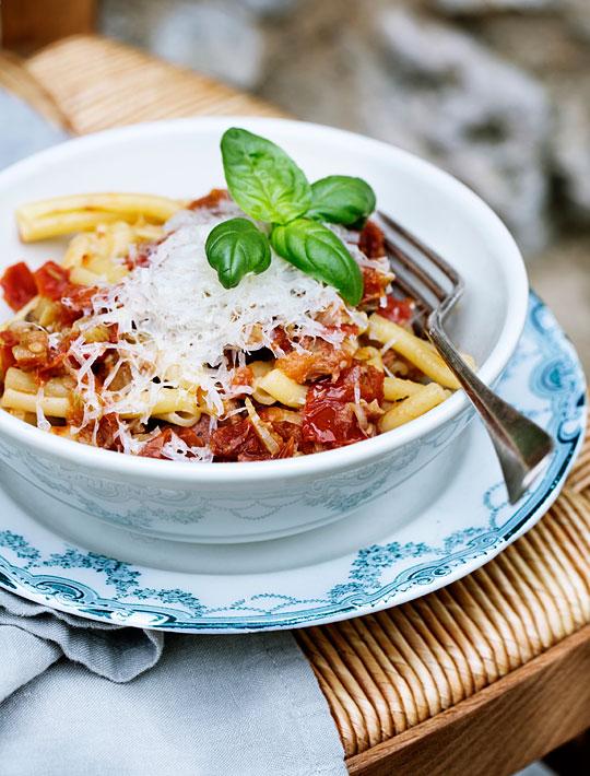 pasta, salsicce